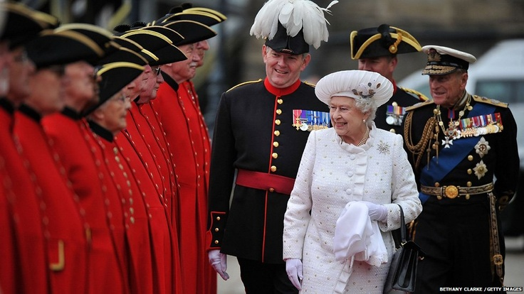Diamond Jubilee Pageant: Queen Elizabeth II and Prince Philip, Duke of Edinburgh arrive at Chelsea Pier