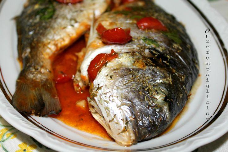 Orata all'acqua pazza,questo piatto è adattissimo per la cena della vigilia con parenti e amici, con poco impegno farete un figurone.