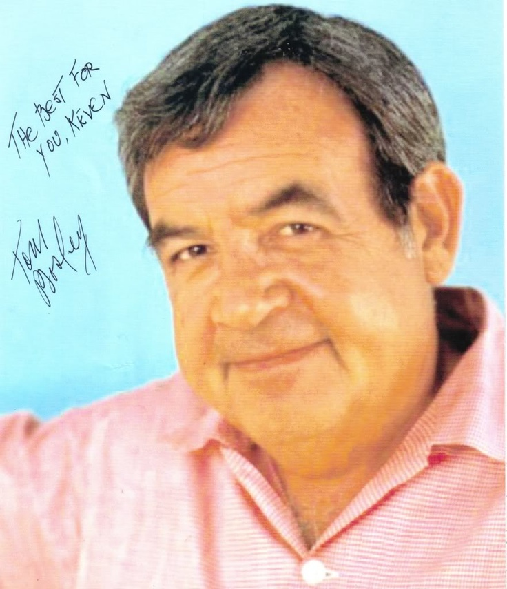 Tom Bosley (October 1, 1927 - October 9, 2010) American actor (o.a. from the Father Dawling mysteries).