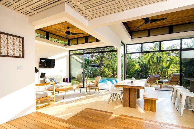 En la costa oeste de Costa Rica, este hotel boutique y su estudio de yoga apuestan por el bienestar.