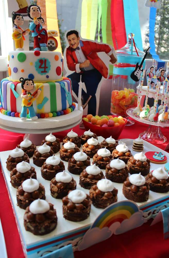 Topa y Los Rulos Birthday Party Ideas | Photo 6 of 11