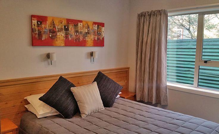 2-bedroom-apartment-queen-room