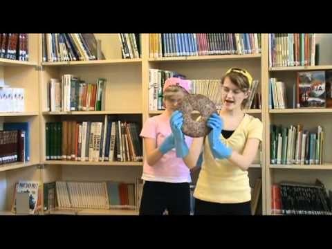 Tiistilän koulun kirjatraileri: Tatun ja Patun Suomi (video 2:48).