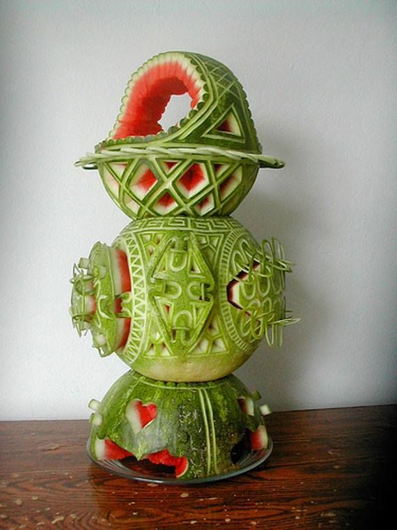 A sculture with watermelons! Art in food!  #watermelons