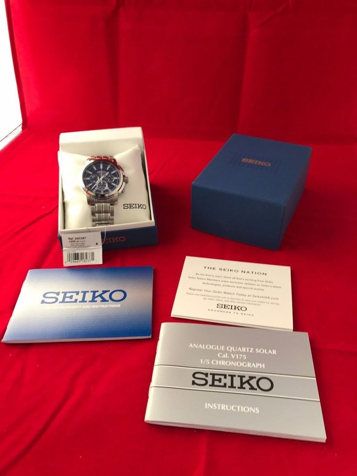 SEIKO SOLAR CHRONOGRAPH SSC387  MENS WATCH $350.00 RETAIL