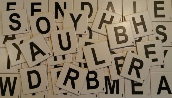 Az új trend a Scrabble csempe - Hírek, újdonságok - Ajándék kerámia, egyedi termékek gyártása, tervezése, reklámajándék, kreatív hobby, matricázás