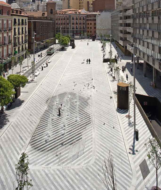 Plaza Luna Landscape Architecture: Brut Deluxe Location: Madrid, Spain Photos by Landezine, Miguel De Guzman