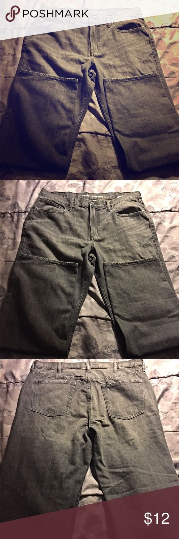 """Old Navy """"loose/amble"""" jeans Here are some gray Loose and amble jeans 👖from old navy.The pants are 38x34 and are """"true to size"""".There is another pair like this just in a different color(which is navy blue).The two pairs of jeans will be in a bundle if you want both pairs. Old Navy Jeans"""