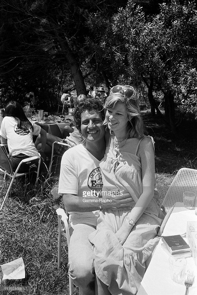 Joe Dassin and his wife in Hydra Greece on May 10th 1978 News Photo | Getty Images
