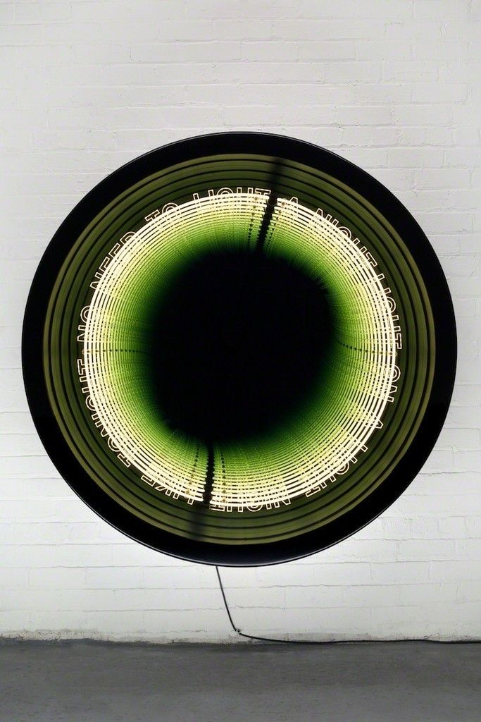 Iván Navarro, Boucle, 2016, Galerie Daniel Templon