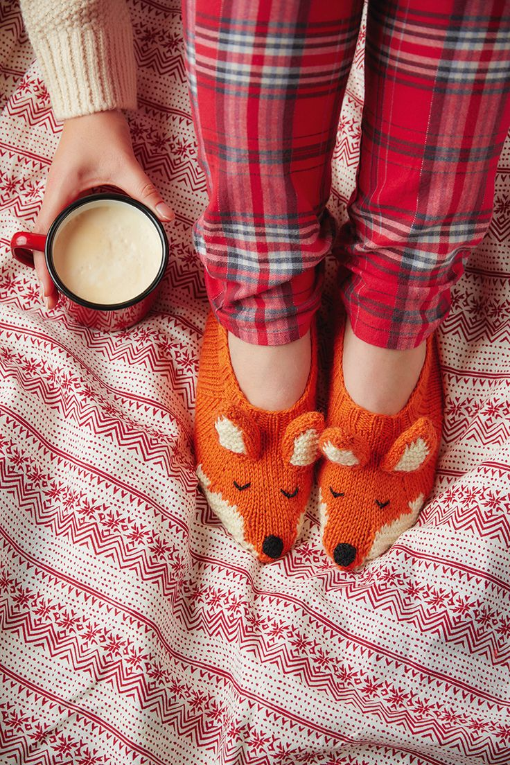 Fox slippers knitting pattern Mollie Makes Christmas 3