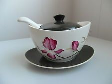 CARLTON WARE MAGNOLIA DESIGN LIDDED PRESERVE POT WITH SPOON AND STAND