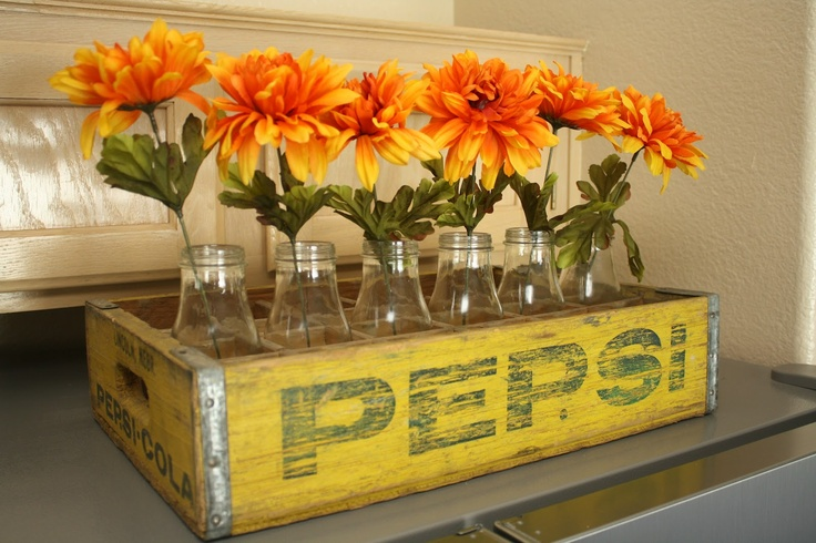 Vintage soda crates using those diy milk bottles i posted for Decorating with milk crates