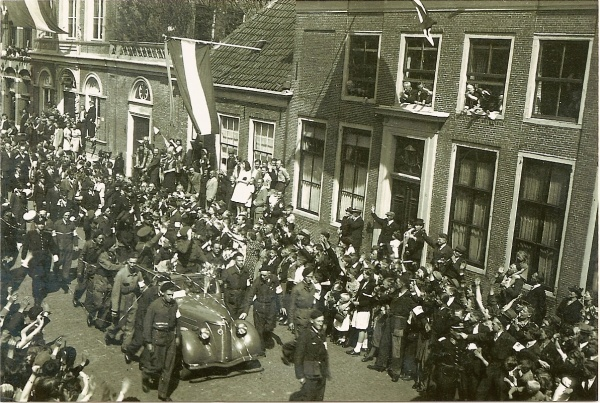 Liberation of Enkhuizen, the Netherlands (10-5-1945).