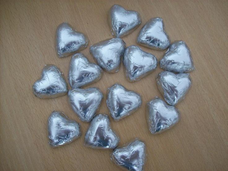Corazones de chocolate con papel metalizado de Palermo Dulce chocolates en Buenos Aires