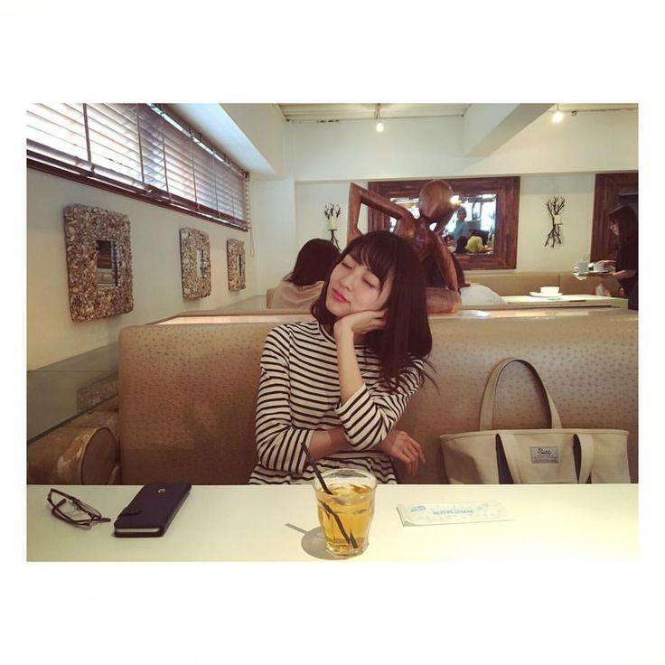 小島梨里杏さんはInstagramを利用しています:「同じポーズのつもりだったけど全然違う!笑 #目瞑ってても #伝わる #ドヤ感  photo by 南波志帆 ♡」