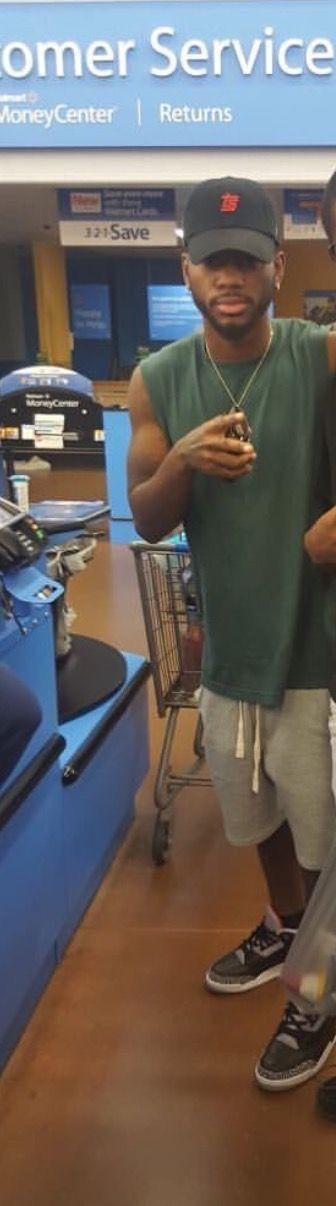 Man can I meet Bryson tiller at Walmart