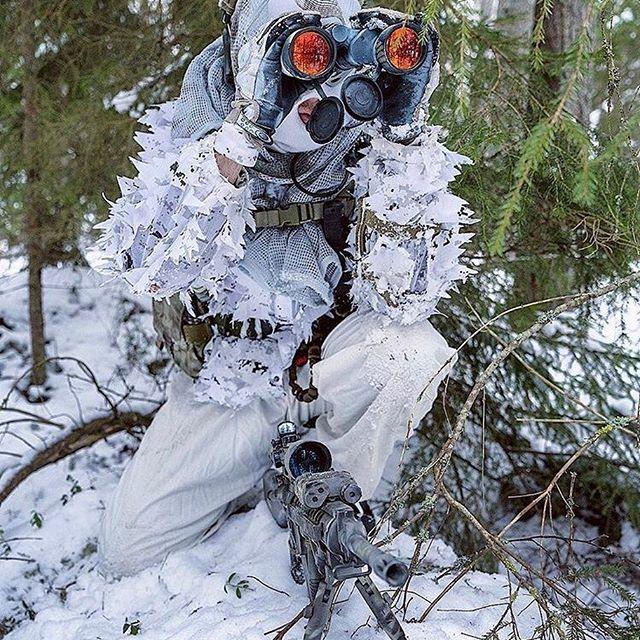 Winter Recon❄️⠀ [CREDITS: @sergeant_nran] ⠀ • • •⠀ ☑️ Use » #WARZONEiNC « to get featured! ⠀ • • •⠀ #winter #overwatch #recon #binocular #scope⠀ Custom Hashtags: #specialforces #reallife #merica #veteran #ww2 #teamwork #marine #army #terror #saviour #brut