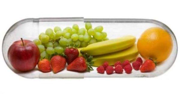 """Hippokrates schrieb: """"Unsere Nahrungsmittel sollten Heilmittel, unsere Heilmittel Nahrungsmittel sein."""" Denn die richtige Auswahl an Lebensmitteln, so scheint es, kann viele Krankheiten verhindern und heilen. So konnte der kanadische Forscher Richard Beliveau mit seinen Forschungen an der Universität Montreal nachweisen, dass bestimmte Lebensmittel sogar vor Krebs schützen. Ob in der Naturheilkunde oder der Ayurveda-Medizin –"""