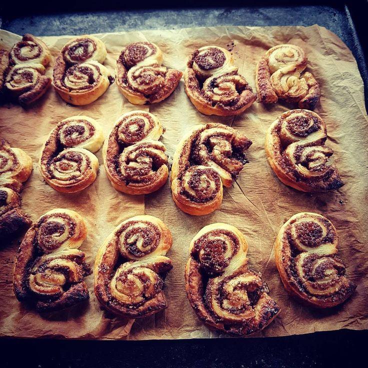Palmiery, pyszne i bardzo łatwe ciasteczka z Ciasta Francuskiego z Cynamonowym Nadzieniem.