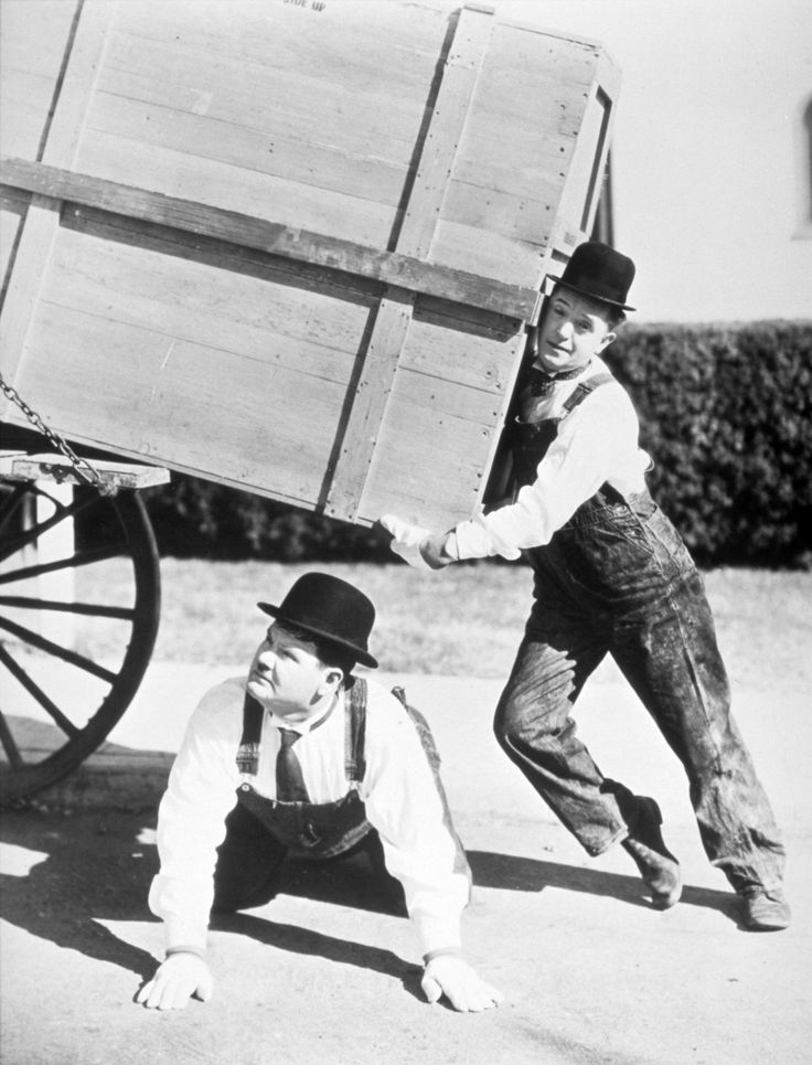 Der zermürbende Klaviertransport – Laurel & Hardy in Perfektion