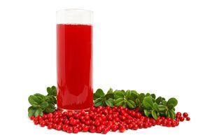 ***Beneficios del Jugo de Arándanos*** Conoce los beneficios de beber jugo de arándanos, un cóctel repleto de nutrientes para tu belleza y salud....SIGUE LEYENDO EN.... http://comohacerpara.com/beneficios-del-jugo-de-arandanos_10941a.html