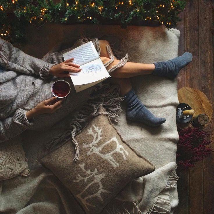 """luvchristmas: """" Active cozy winter blog ❄️ """""""