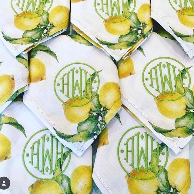 Pretty in love with @ellis_hill_ monogram take on our lemon linens. #katiekimeprints #kktabletop #sundayfunday