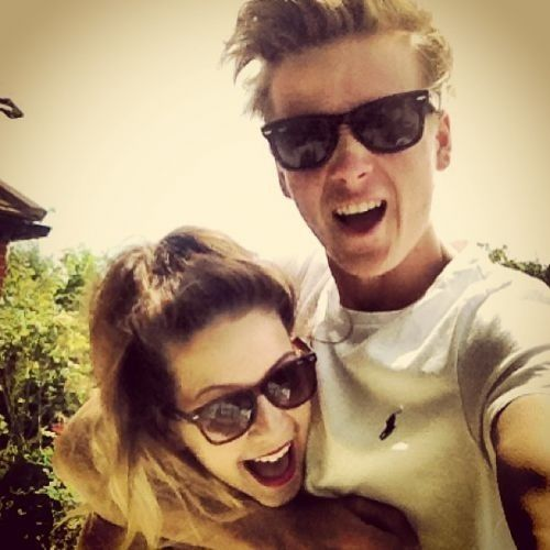 Zoe & Joe Sugg :) why can't me and my brother be this gorgeous and nice to eachother?!