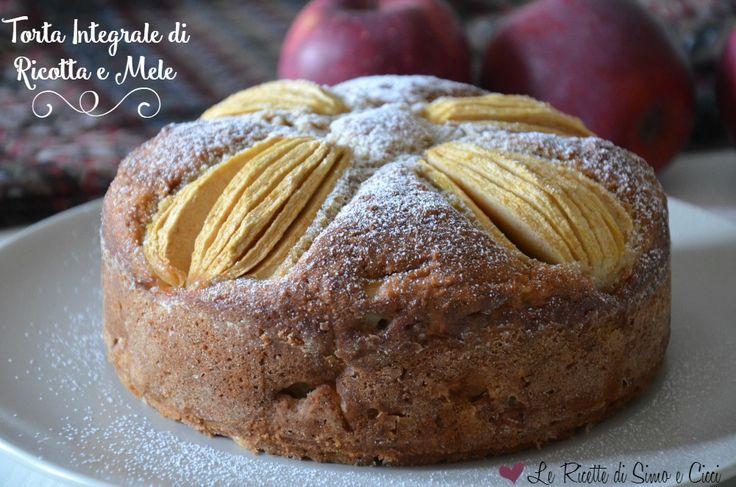 La Torta Integrale di Ricotta e Mele è un dolce soffice e delizioso senza burro. Uno dei dolci più amati e conosciuti è sicuramente la torta di mele ed il