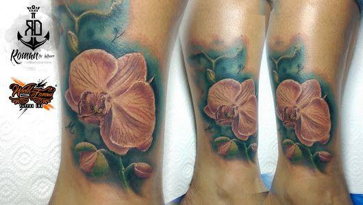 Tetování - Realistic flower tattoo
