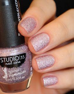 Esmalte #Lumina da Pausa para Feminices   Glitter Pink Nails   Nail art   Sand Nail Polish   Esmalte Texturizado Rosa da Studio 35   Chique   Elegante   Reveillon   by @morganapzk