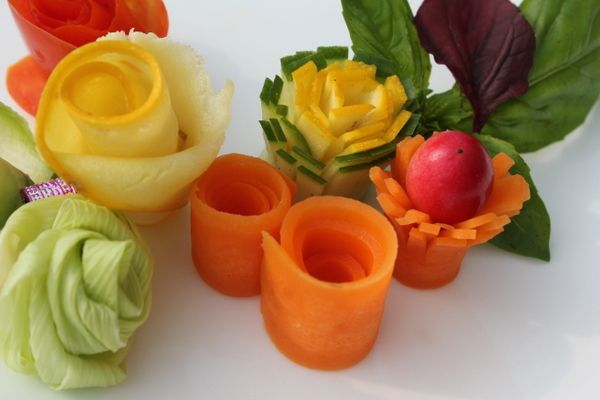 Ribbon's to Pasta's: Garnishing with Flowers