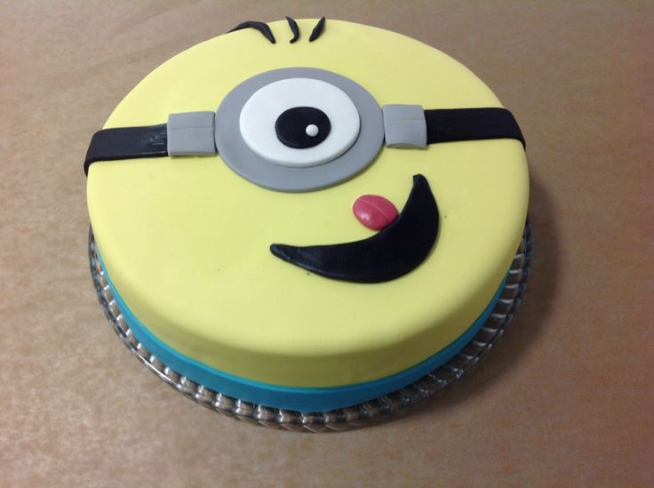 Our delicious #Minion #cake from the #Cheesecakeshop