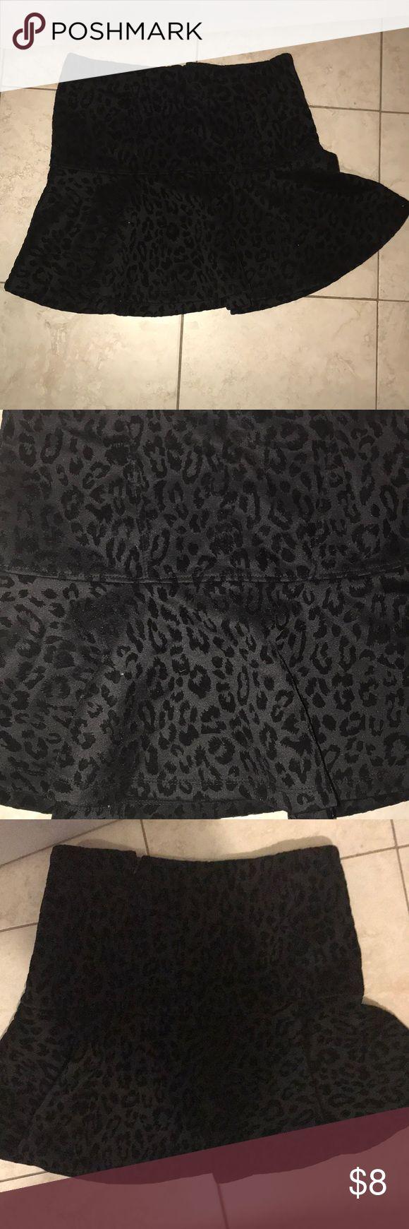 Forever 21 Velvet leopard skirt perfect condition. Only worn once. Black velvet burnout cheetah print mini skirt with a peplum bottom Forever 21 Skirts Mini