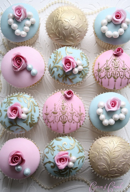 Romantic vintage wedding cupcakes. Mine would be in my wedding colors