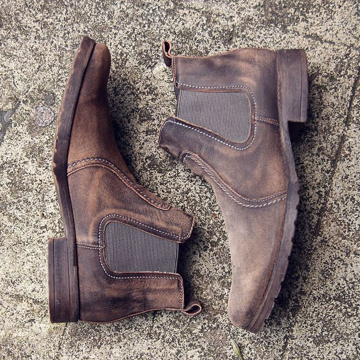 Chelsea boots are a timeless item! #democrataind #DemocrataInJKT #Democrata #madeinbrazil #shoes #shoebrand #boots #chelseaboots #ootd #style #fashion