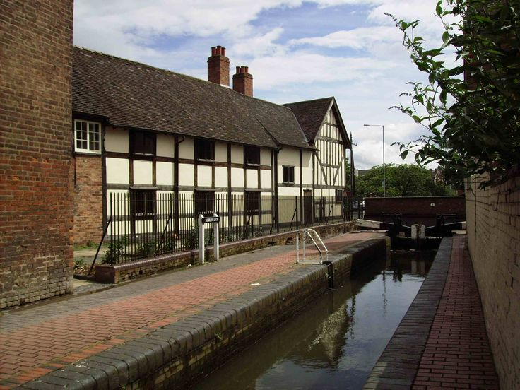 The Commandery, Worcester. Take in some local history shortly after leaving Worcester Marina and heading towards the River Severn. The Kings Head pub is opposite the Commandery http://www.kingsheadsidbury.co.uk/ and a great place to eat. For availability from Worcester Marina visit our website www.abcboathire.com