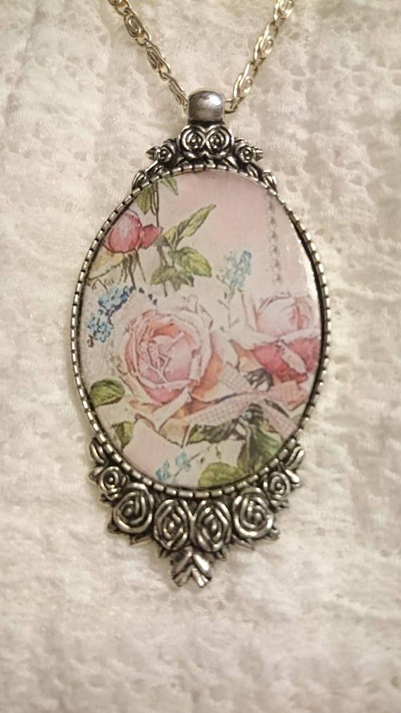 collier roses pastels et myosotis bleus shabby chic collection