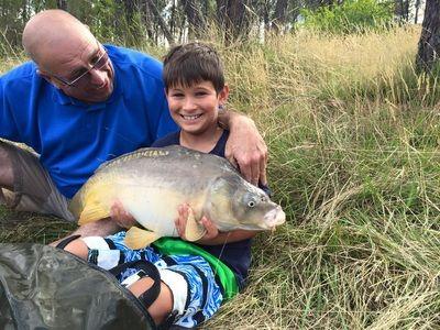 Cuckoo Lake exclusive carp fishing holidays France - Lakeside Fishing Cabin…