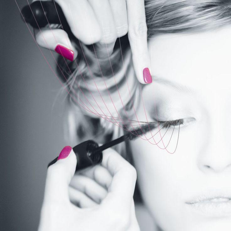 WIMPERNSERUM. Lange, dichte & voluminöse Wimpern. Einmal täglich aufgetragen sorgt der preisgekrönte Wirkstoff von Lashes für 50% mehr Wimpern-Volumen nach nur 14 Tagen.