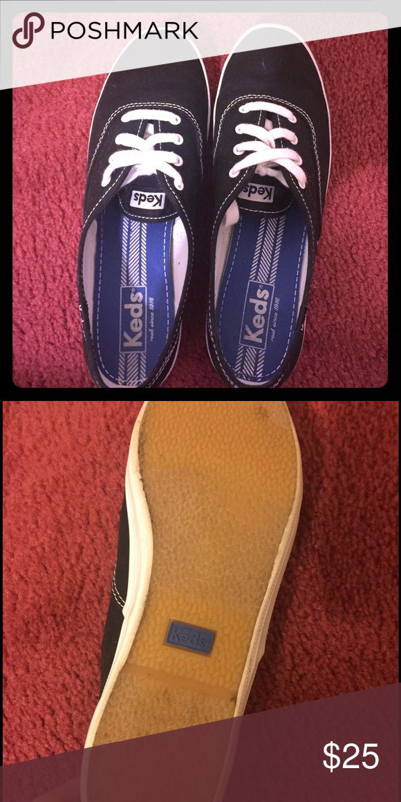 Keds tennis shoes Like new Keds tennis shoes. I've worn them one time. They are in excellent condition. Keds Shoes Sneakers
