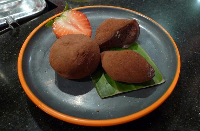 Yo Sushi - Chocolate Mochi, my favourite | Food and Recipes ...