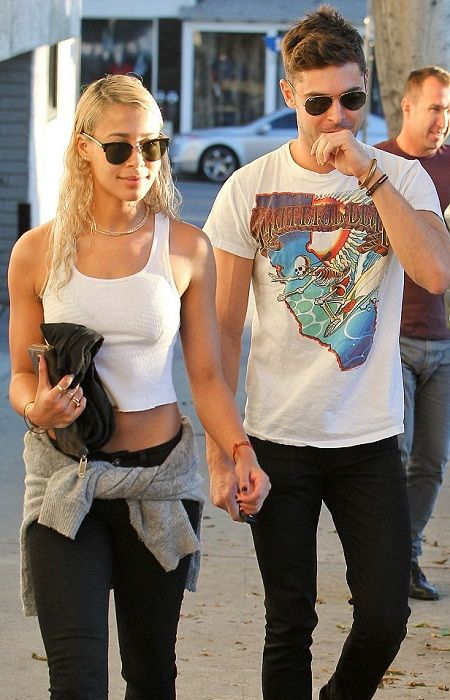Top Actor Zac Efron Pays Tribute to Girlfriend on First Anniversary-acelebritynews, Top Actor,Zac Efron,Biography,Wallpapers, Tribute,Girlfriend,Anniversary