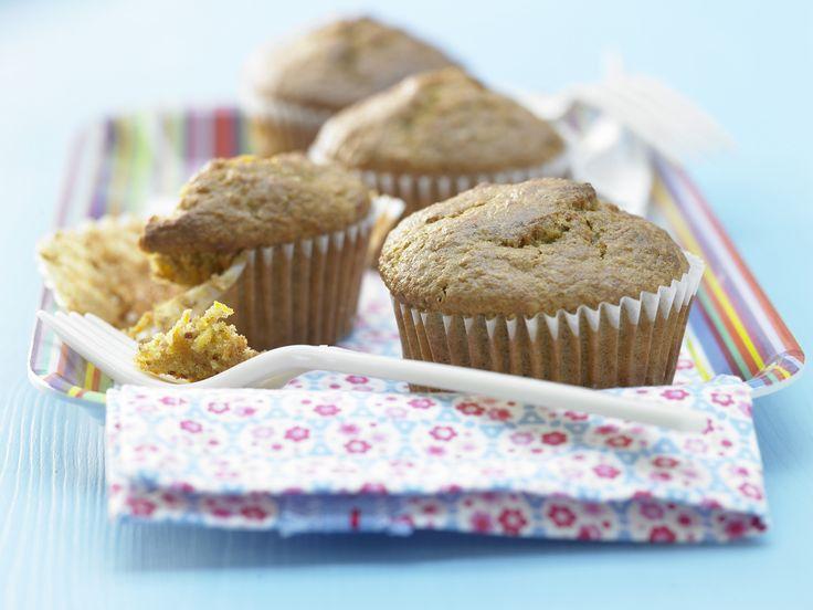 "carrot - cake - muffins /  Möhren-Mandel-Muffins ""Kronjuwelen"" - mit Apfel und Buttermilch - smarter - Kalorien: 197 Kcal - Zeit: 15 Min. | eatsmarter.de"