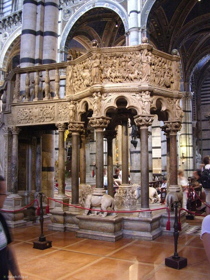 masterok: Сиенский собор (Duomo di Siena). Три самых великих скульптора своего времени – Никола и Джованни Пизано и Арнольфо ди Камбио работали над кафедрой вместе 3 года (1265-1268)