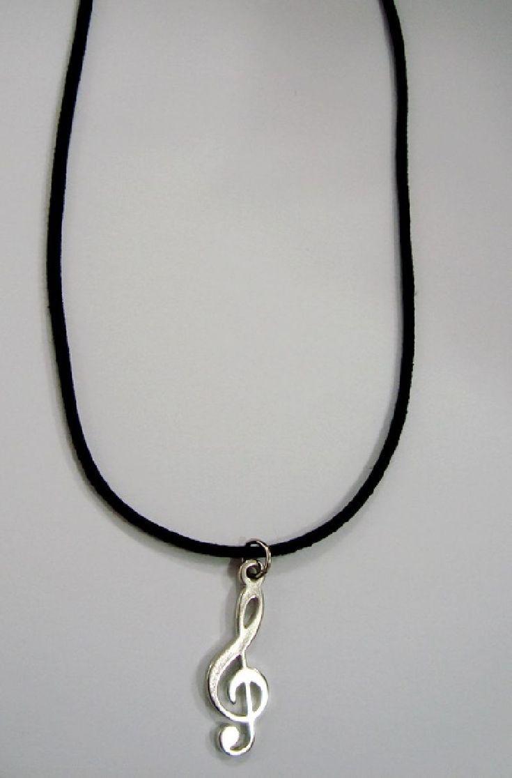 Gargantilha musical cordão preto com pingente Clave de sol cromada