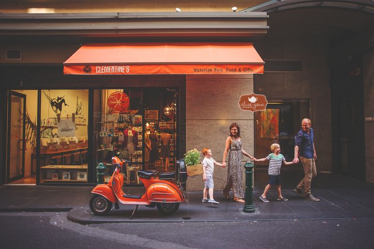 Colourful and natural family photography in urban Melbourne setting by Australian photographer Elise Gow.