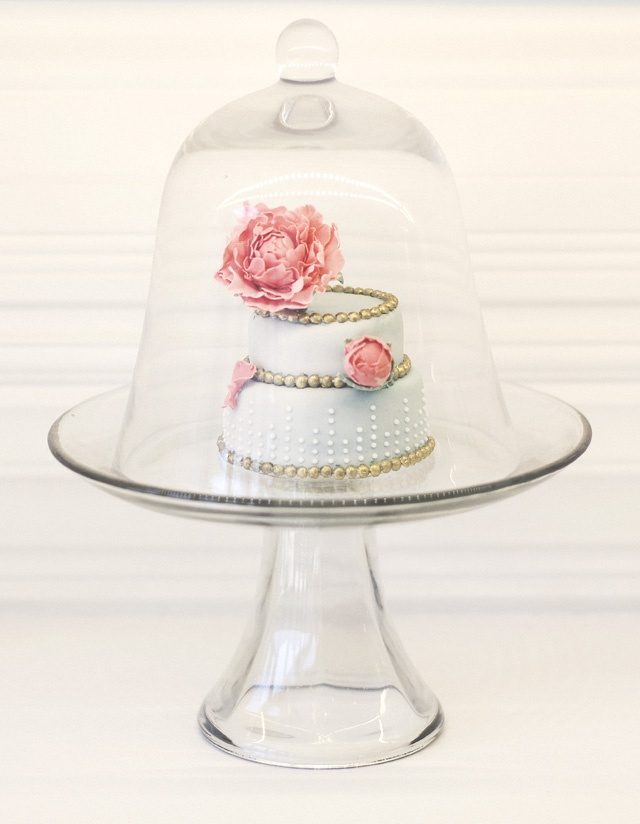 Pretty miniature wedding cake.: Mini Cake, Cake Wedding, Wedding Cakes, Groom Cake, Bride Groom