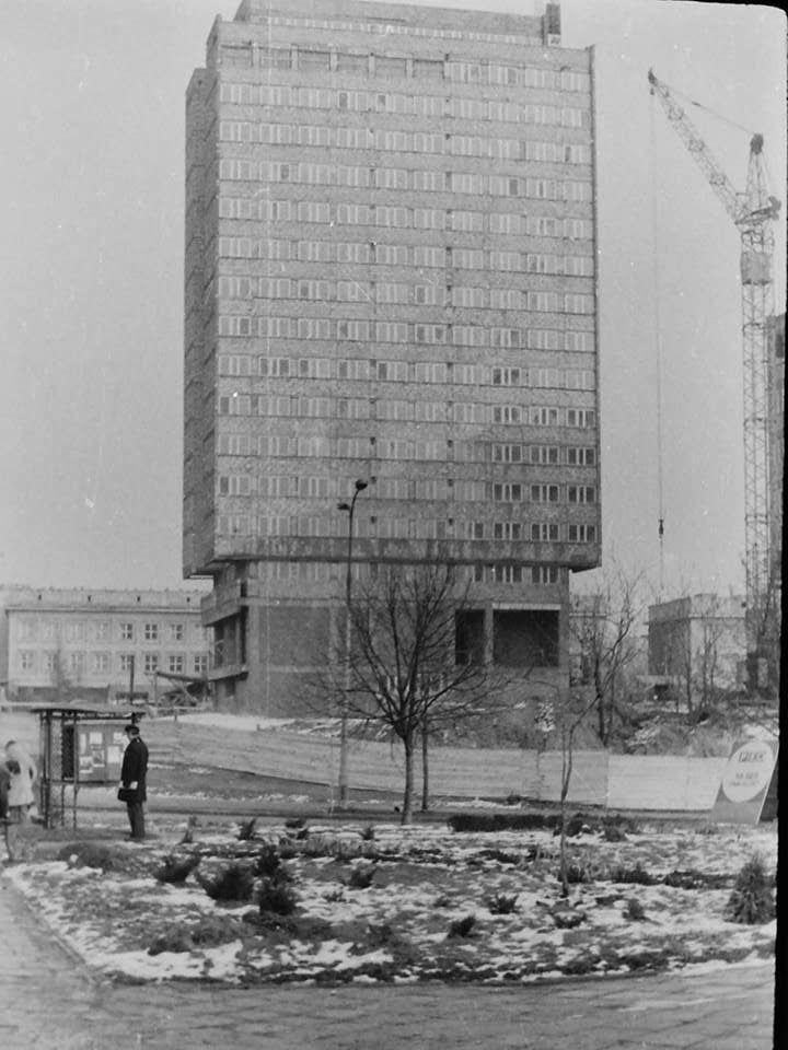 Budowa budynku rektoratu UMCS (fot. Janusz Cichy, ok. 1978)